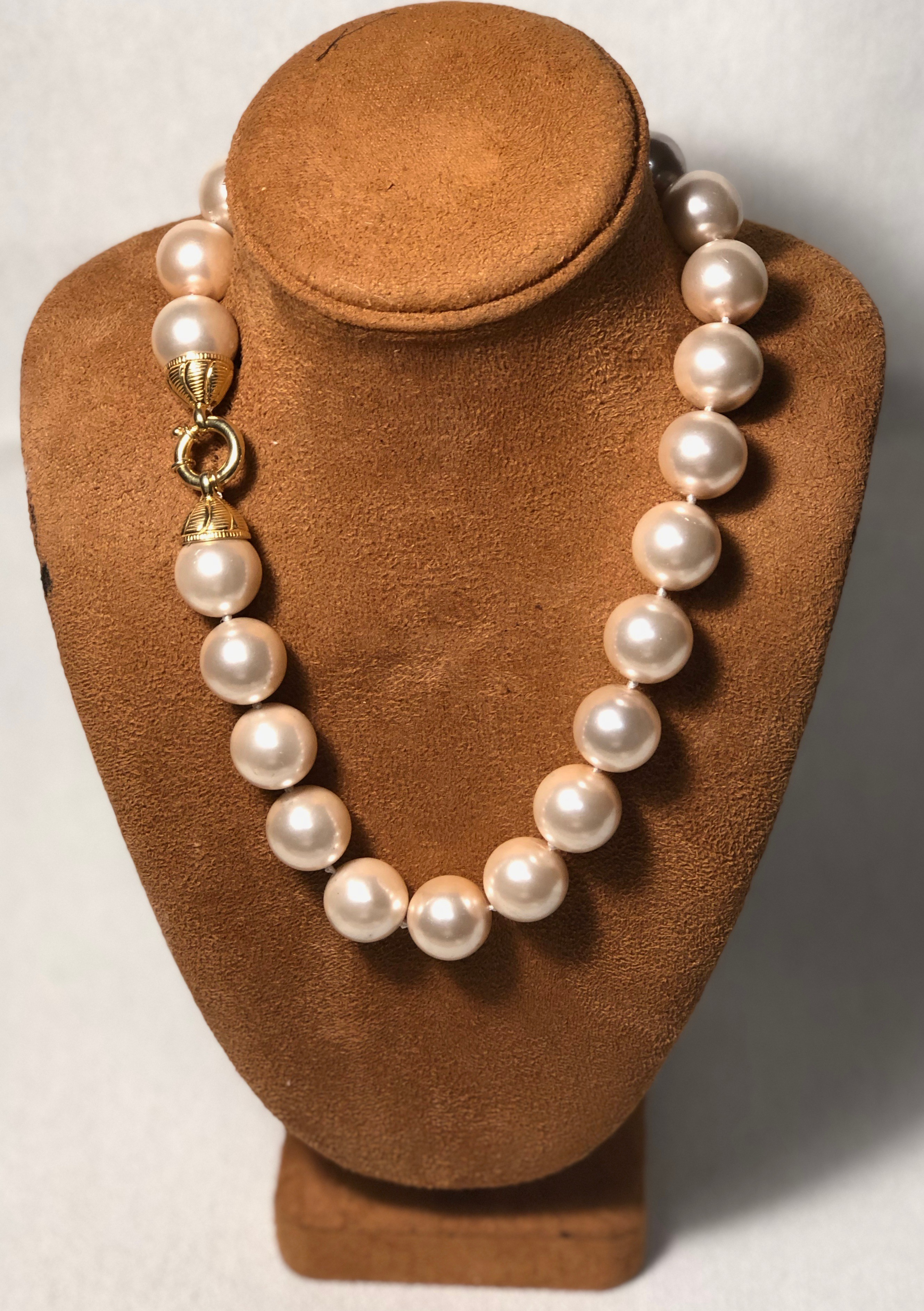 DM14-20MM Blush Shell Pearls